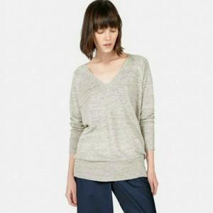 Everlane Deep V Neck linen sweater, Small